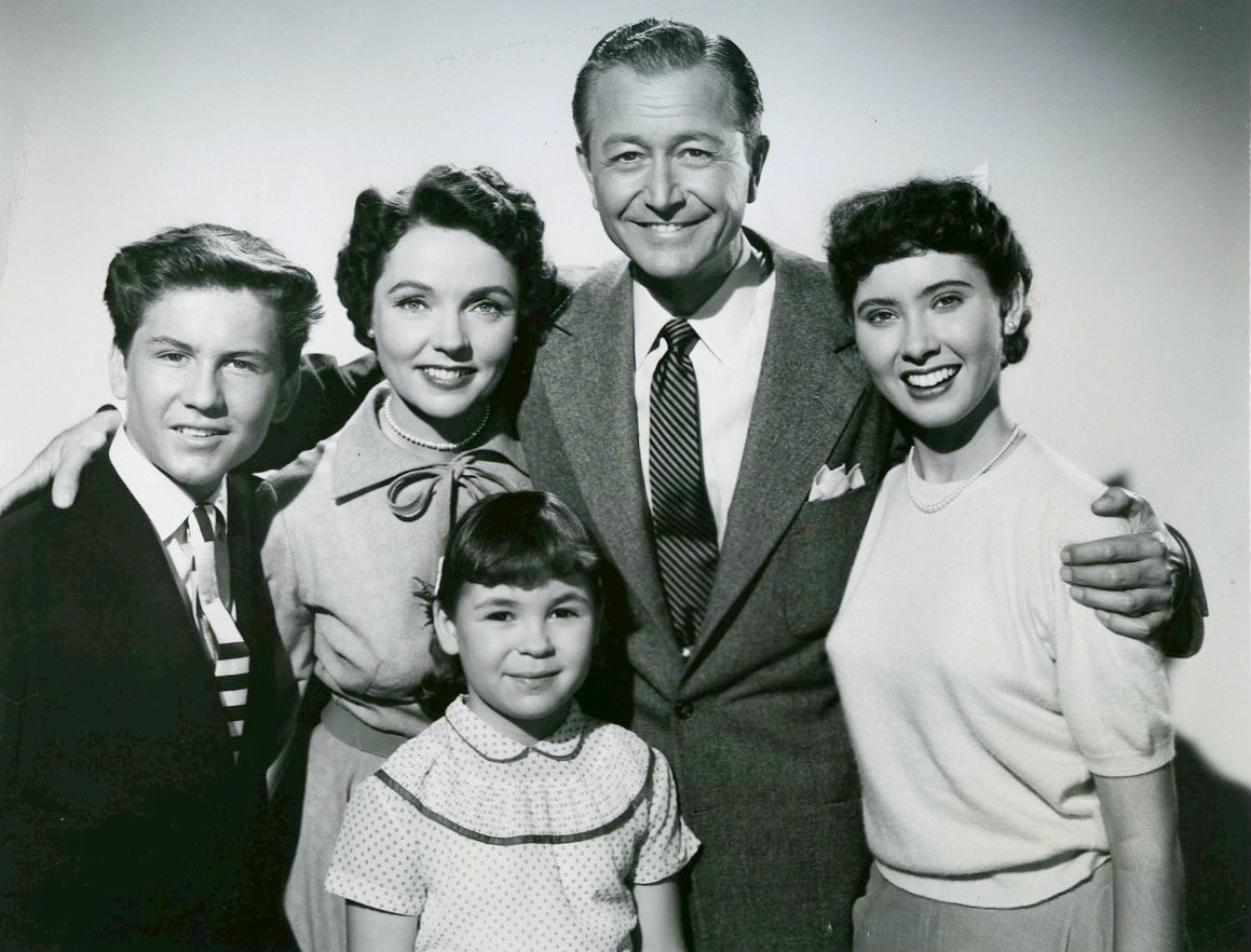 The Anderson Family from Father Knows Best. Photo credit: Wikimedia Commons [Licensed under Public Domain].