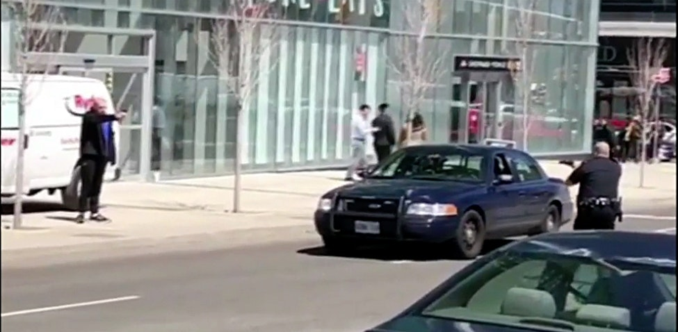 This cop knows how to use his authority