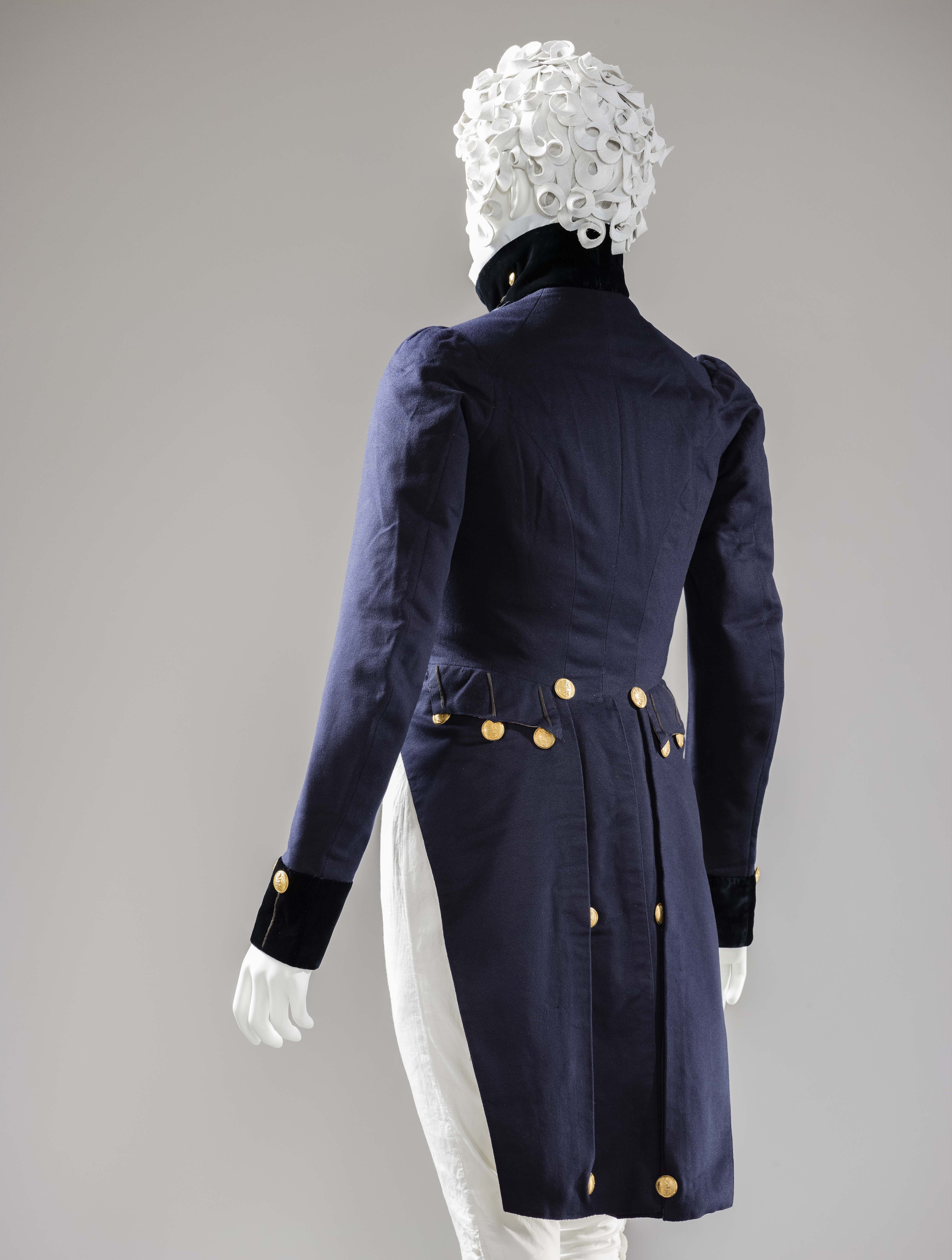 Naval uniform (England, circa 1820). Photo credit: © Museum associates/LACMA
