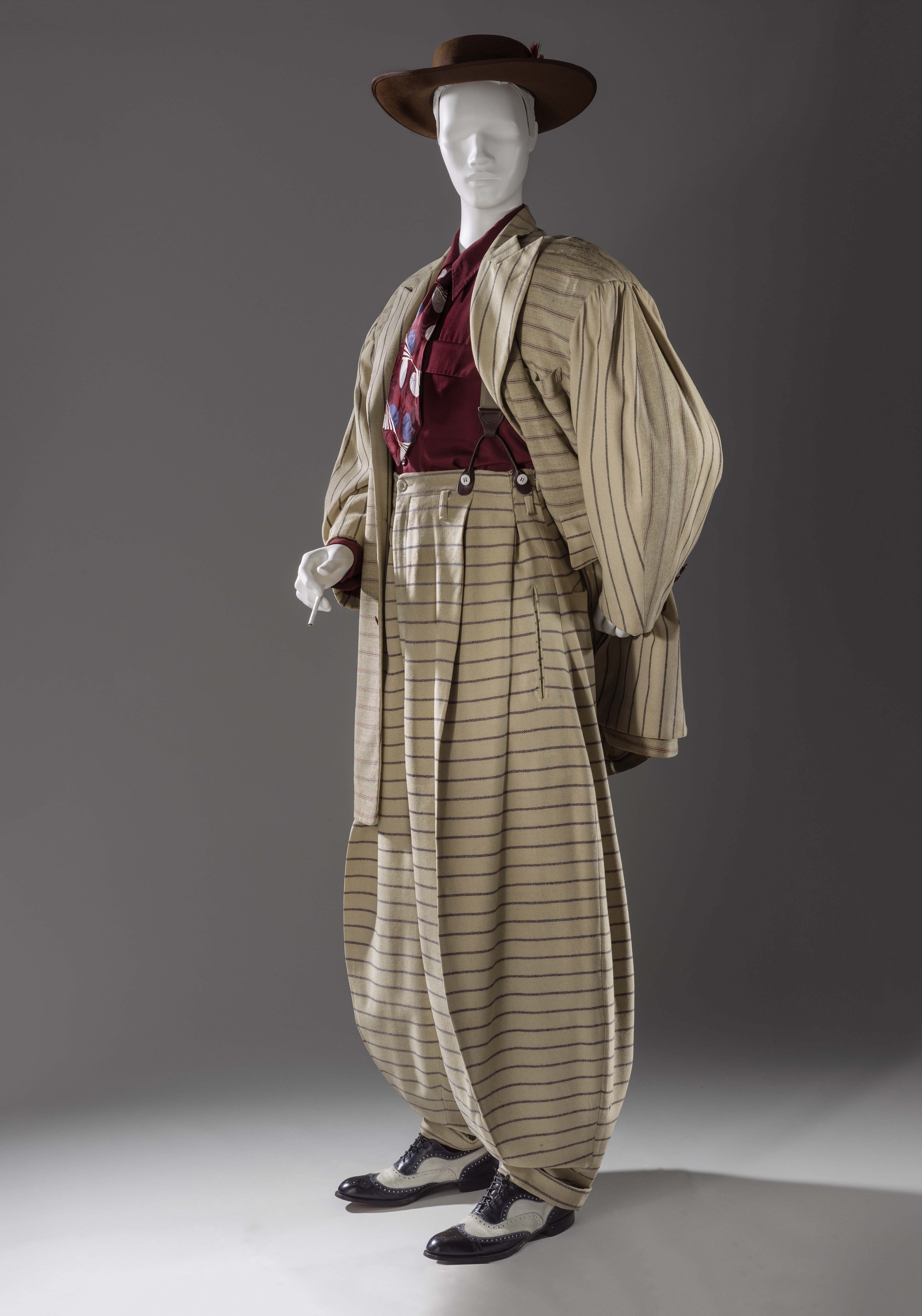 Zoot suit (United States, 1940-42). Photo credit: © Museum associates/LACMA