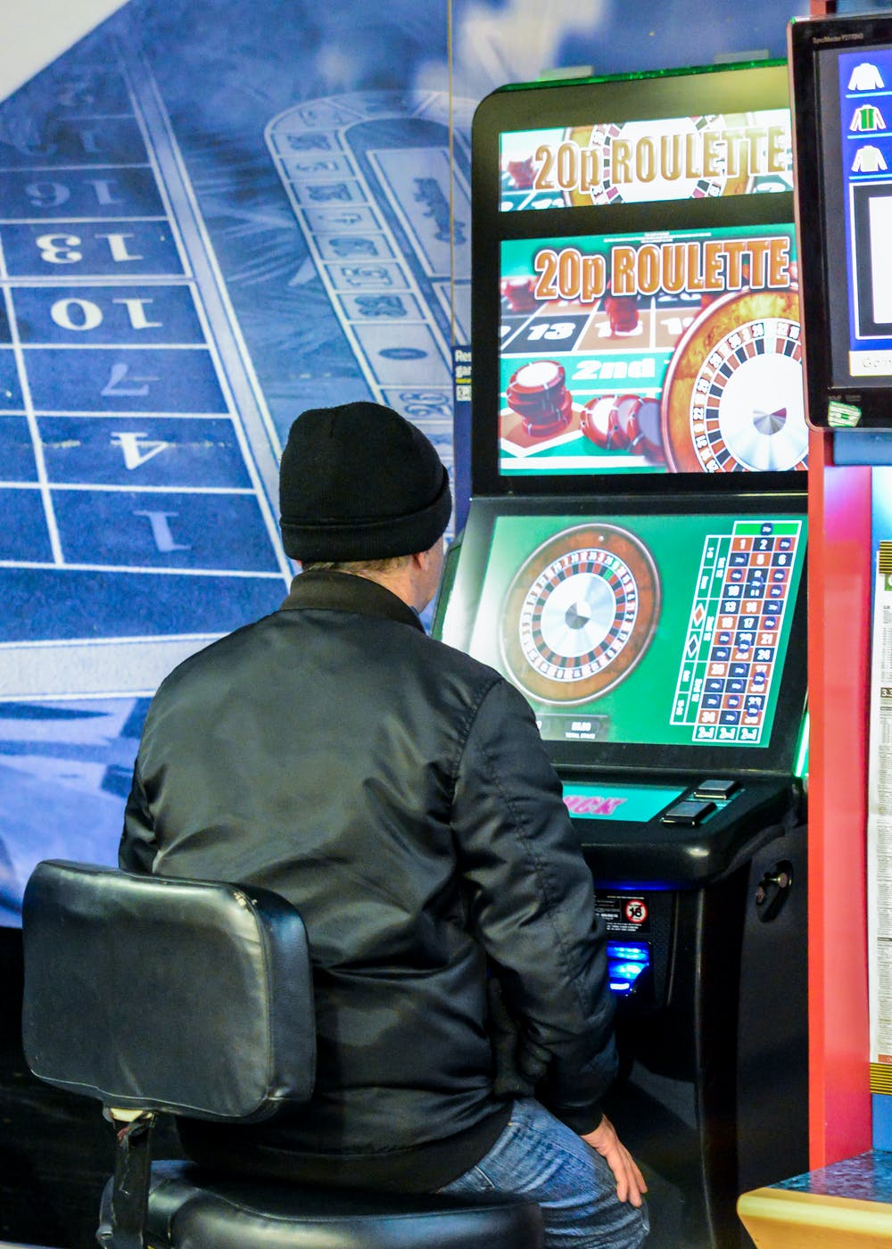 What does gambling addictions lead too