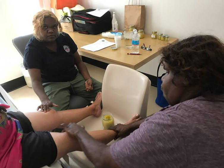 Traditional Aboriginal healers should work alongside doctors to help close the gap