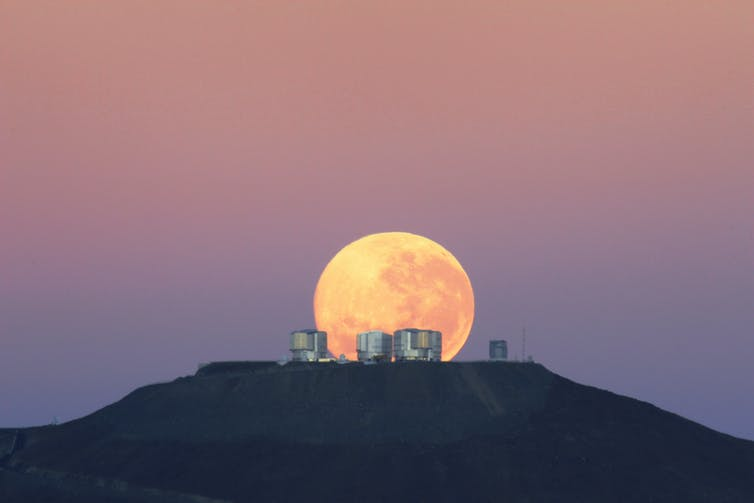 Moonset over the Very Large Telescope.G.Gillet/ESO, CC BY-SA