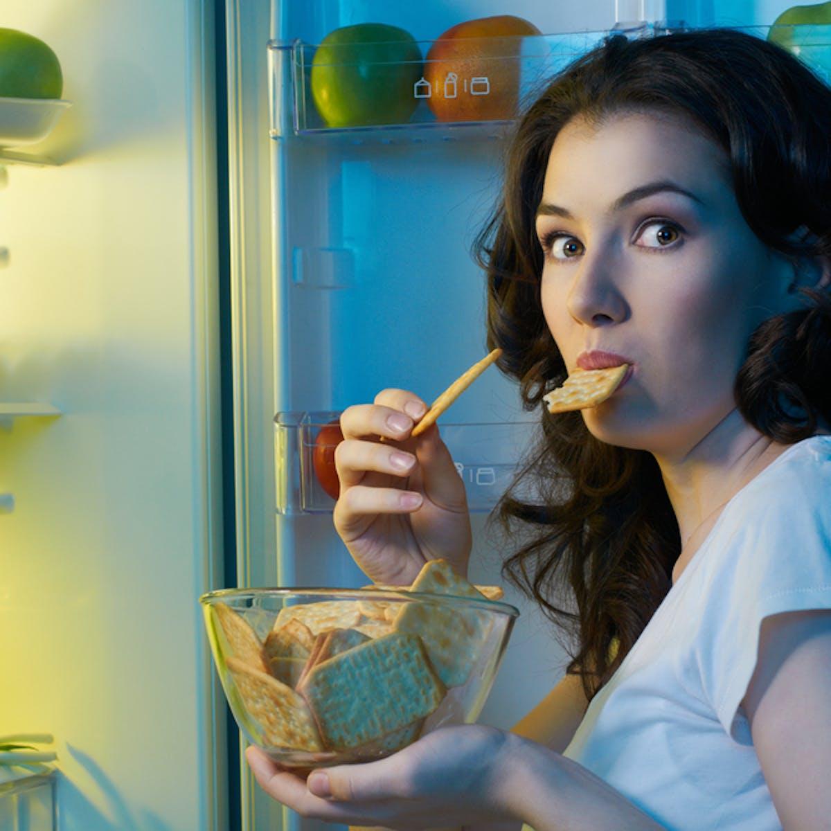 Apa Betul Makan Tengah Malam Bisa Bikin Gemuk