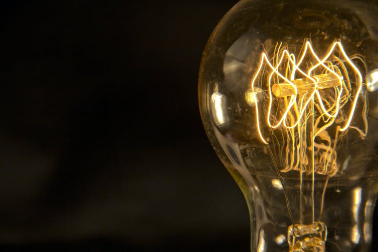 edison invention bulb