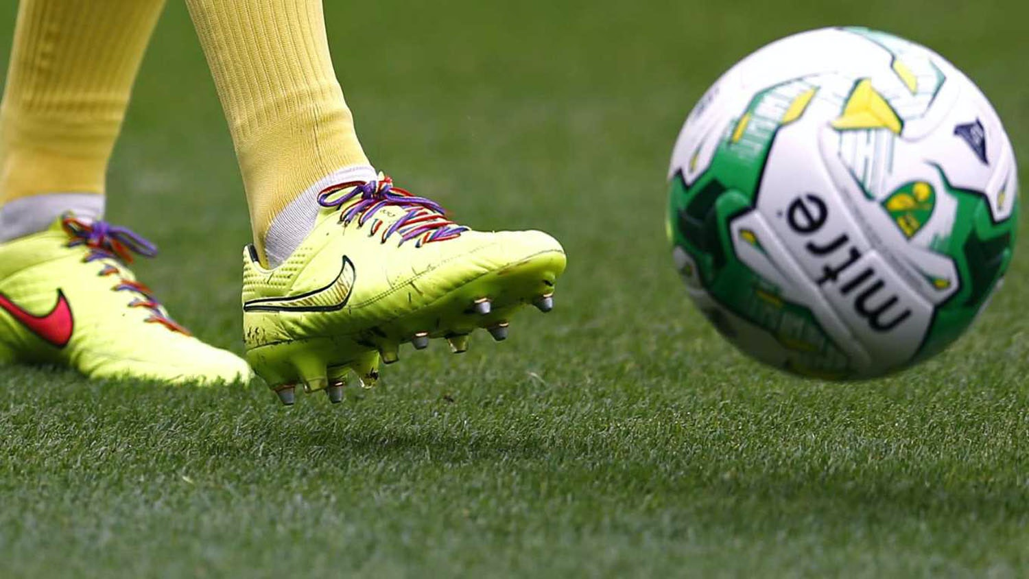 English professional footballers to be openly homosexual discrimination