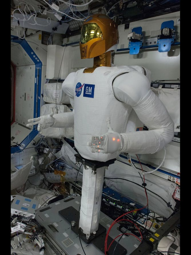 gm robot space station - photo #18