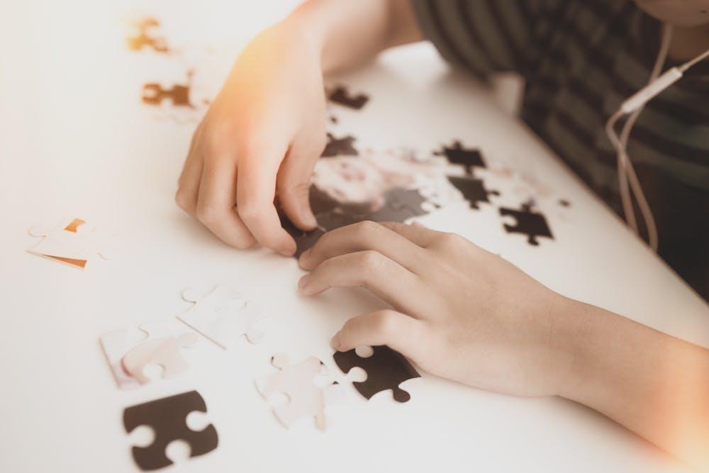 103ecc2e0ea1 Doing jigsaws involves a lot of rotating and moving pieces