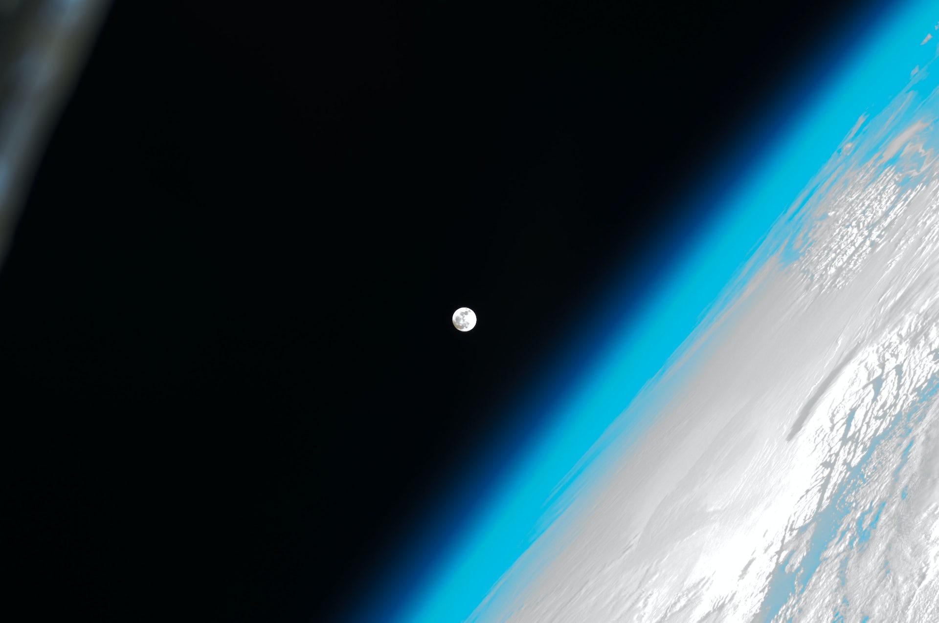 Curious Kids: How Does Gravity Pull Things Down To Earth? - file 20180817 165934 u41ili.jpg?ixlib=rb 1.1