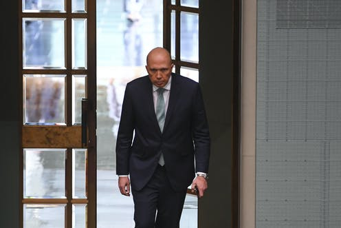 Solicitor-General supports Dutton's eligibility for parliament, but with caveats