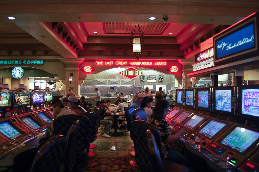 How Slot Machines Work And Why You Should Think Twice Before Playing Them