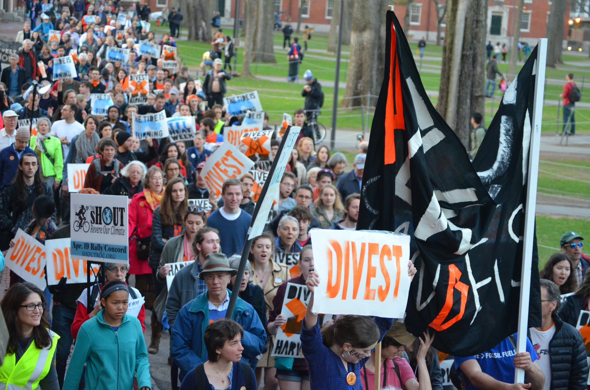 Fossil fuel divestment debates on campus spotlight the societal role of colleges and universities