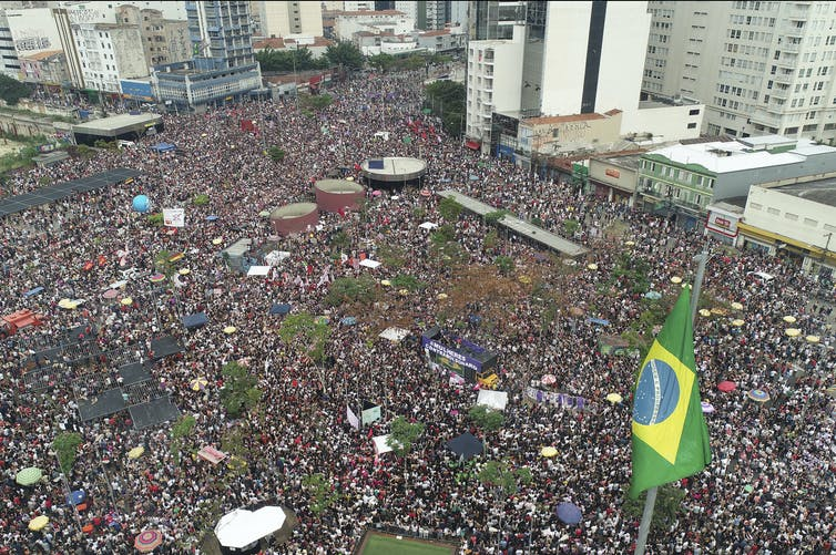 Bolsonaro wins Brazil election, promises to purge leftists from country file 20181005 72100 1yjeras
