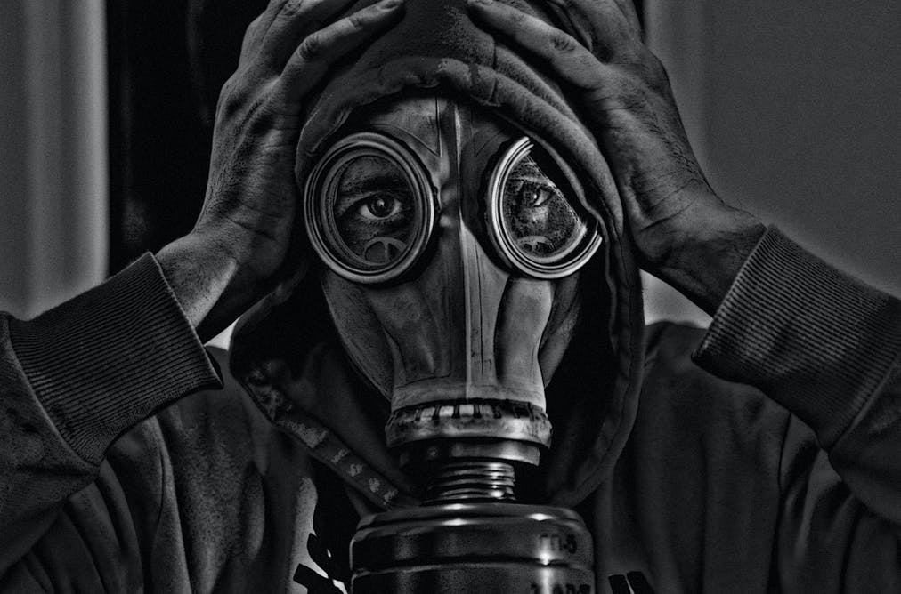 Gasmask terror chemical warfare nuclear holocaust 9