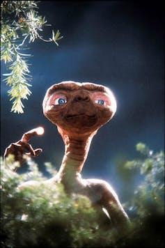 In 1982, the extraterrestrials were already bald