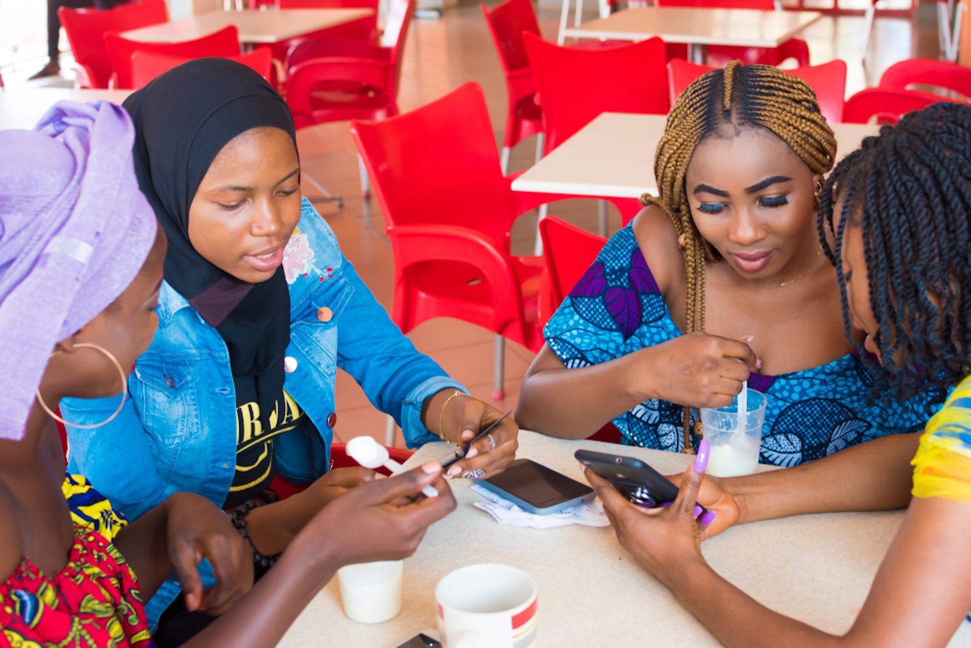 nigerianska WhatsApp hookup Hur man ska vara i en relation utan dating