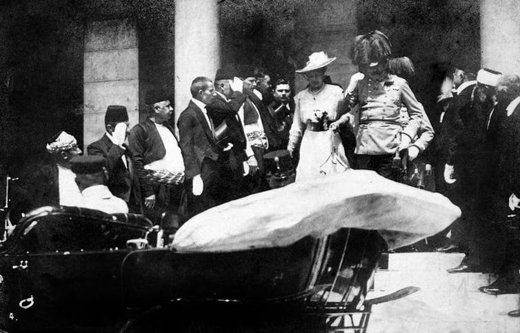 Franz Ferdinand and his wife Sophie just before the assassination. Wikimedia Commons