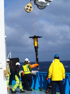 why the Antarctic Circumpolar Current is so important for keeping Antarctica frozen