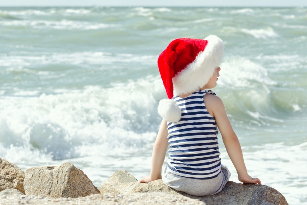 Should I lie to my children about Santa? Four out of five experts said no.