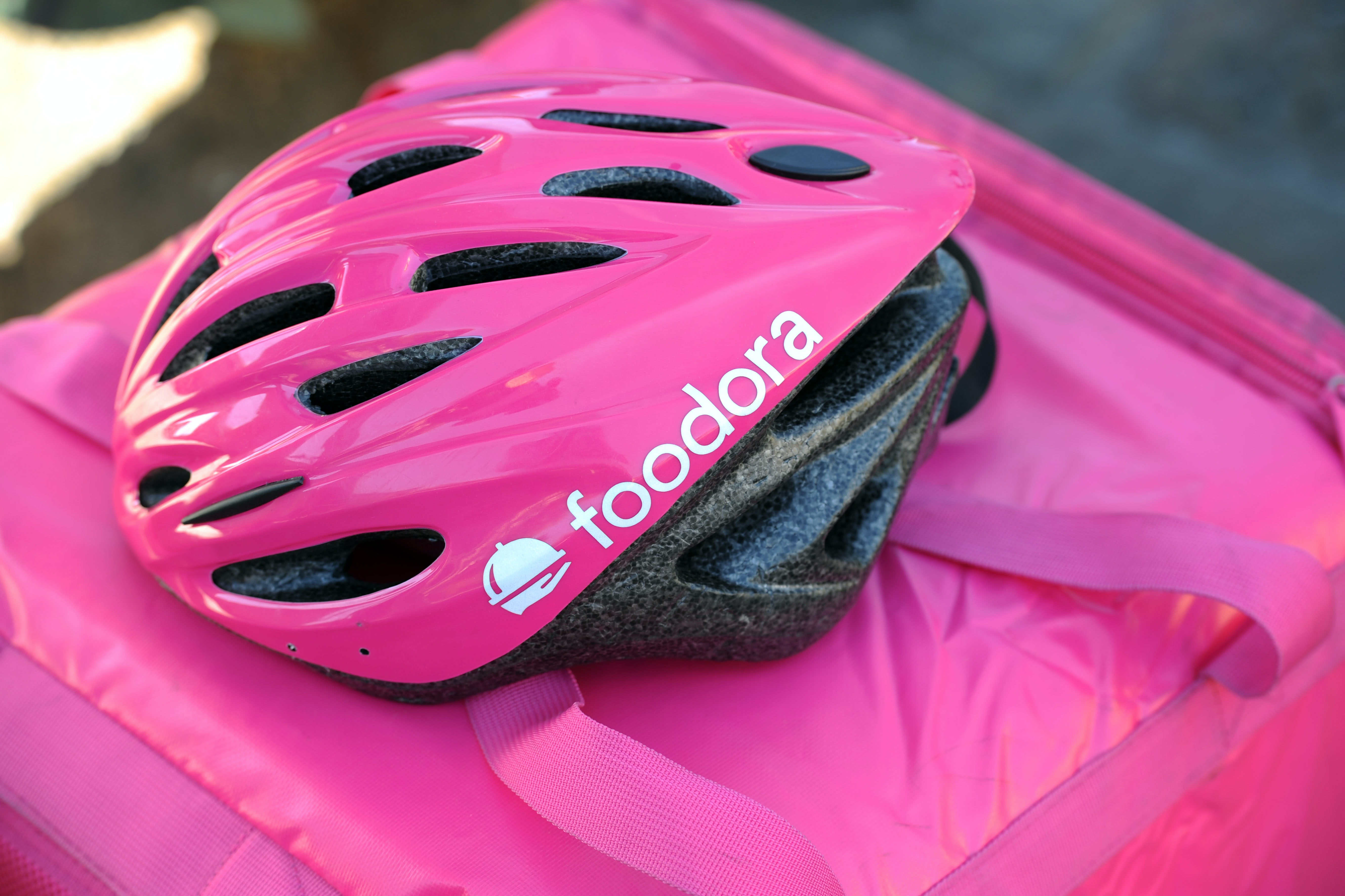 Redefining workers in the platform economy: lessons from the Foodora bunfight