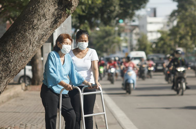 Long-term exposure to air pollution was linked to cognitive decline in elderly people.