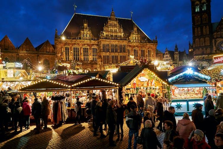 Christmas shopping: often a stressful experience. Heide Pinkall/Shutterstock.com