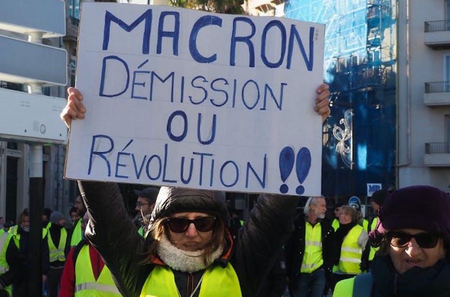 France: in response to 'gilets jaunes' protests, Emmanuel