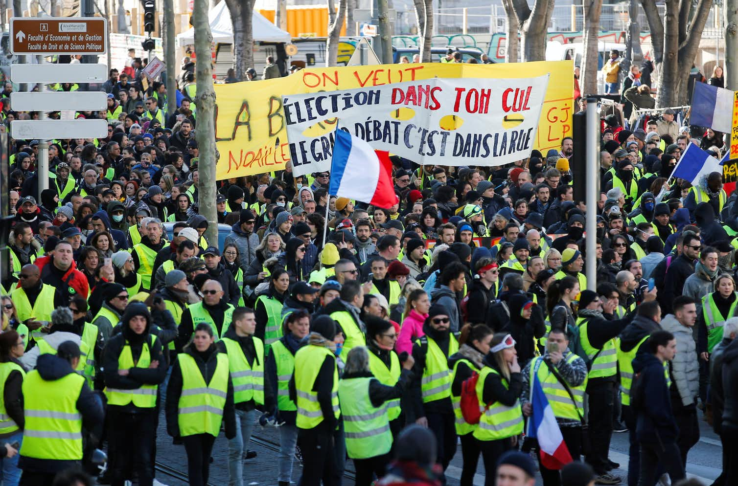 France's yellow vest protests spread across France — but they probably didn't spread abroad. Photo credit: Reuters/Jean-Paul Pelissier