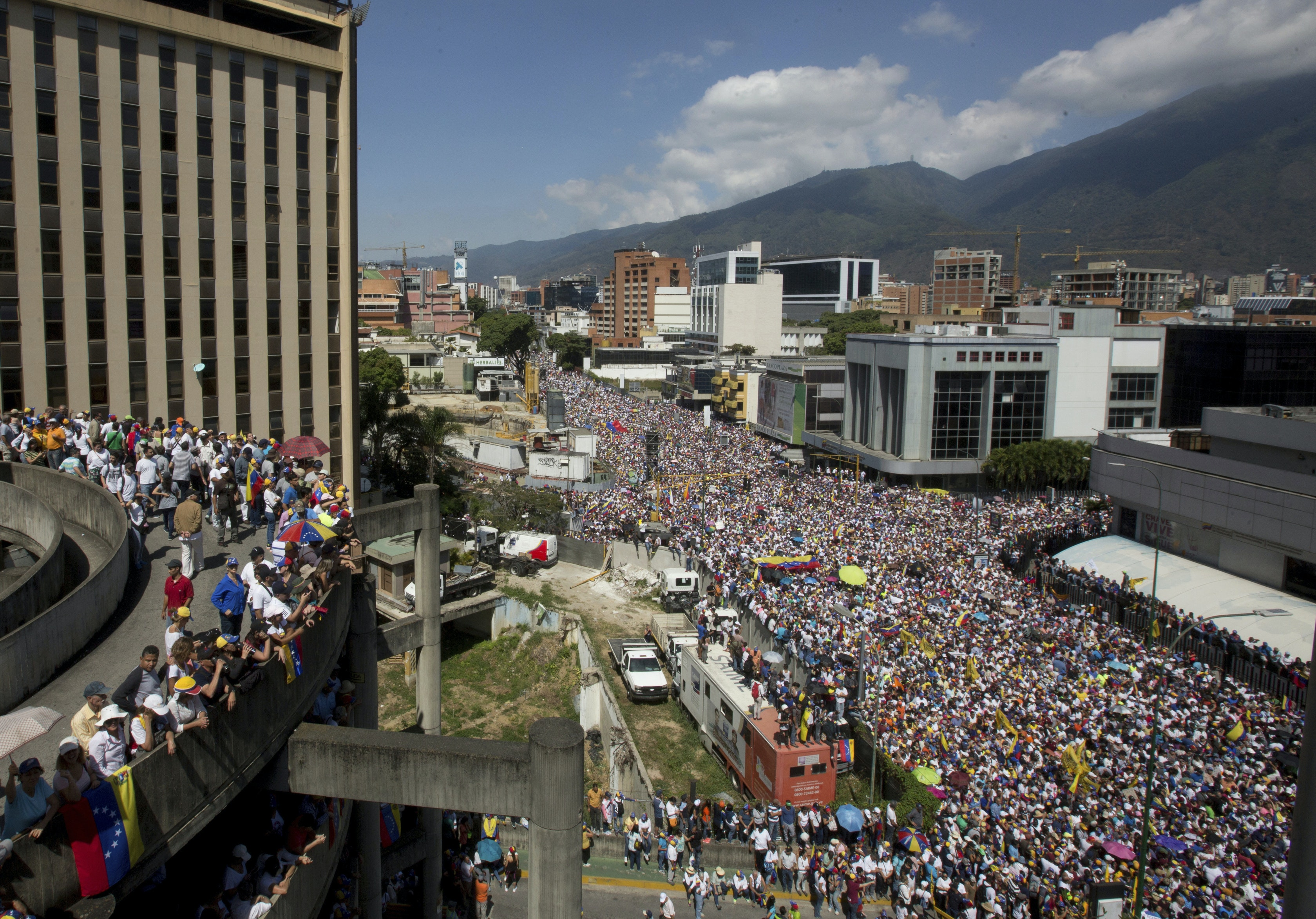 Why Venezuela's oil money could keep undermining its economy and democracy