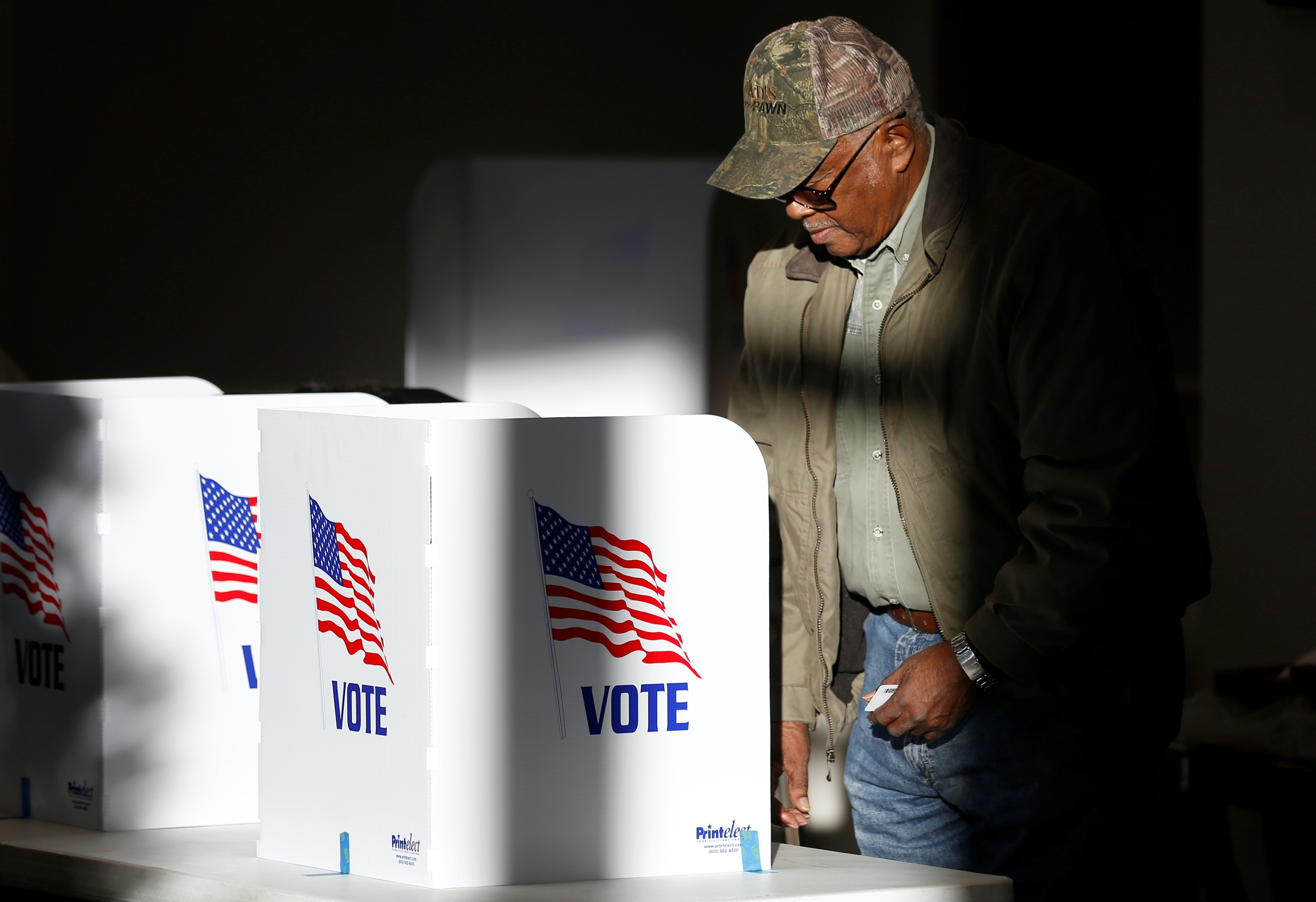 When newspapers close, voters become more partisan
