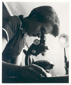 Rosalind Franklin. Wikimedia Commons / MRC Laboratory of Molecular Biology, CC BY-SA