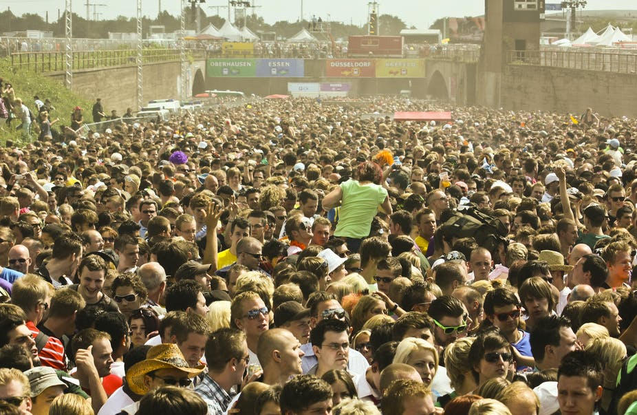 Ten tips for surviving a crowd crush