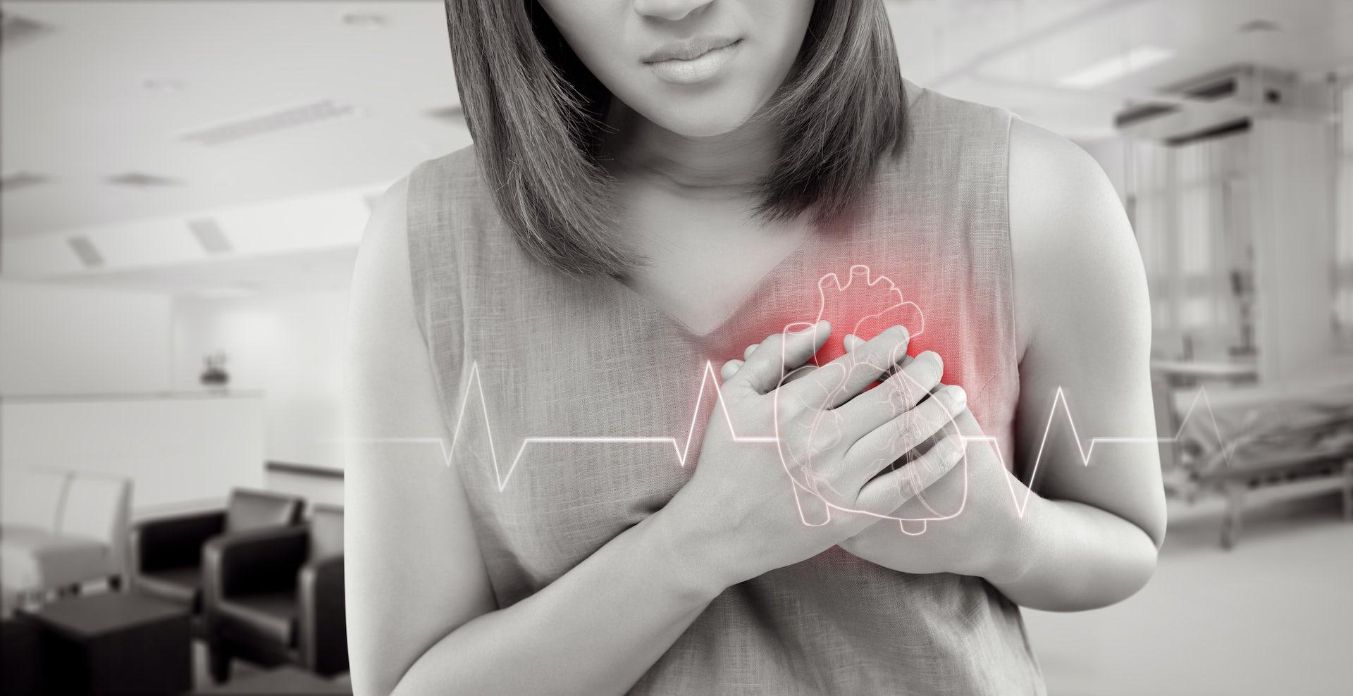 Los ataques cardíacos son diferentes en mujeres y en hombres, y la atención médica debe asumirlo