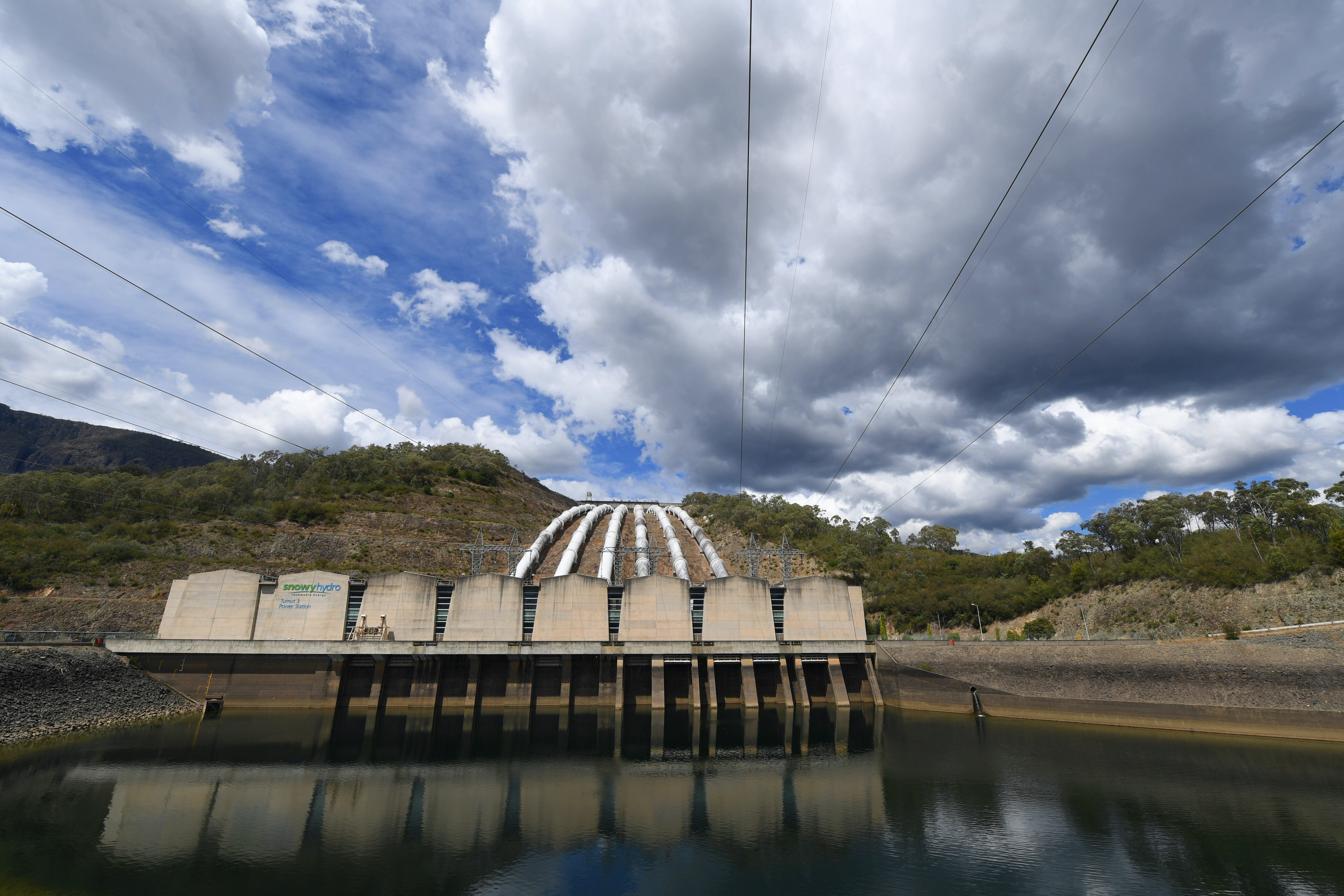 Five gifs that explain how pumped hydro actually works
