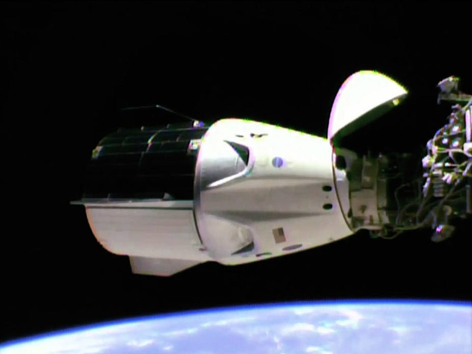 SpaceX Dragon 2 pulls off nail-biting landing – here's the rocket scienceThe Conversation