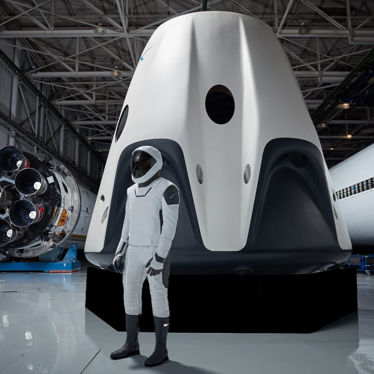 SpaceX Dragon 2 pulls off nail-biting landing – here's the rocket ...