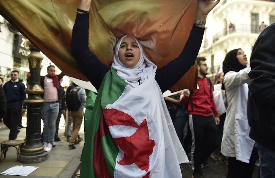 """Résultat de recherche d'images pour """"femmes algériennes manifestations"""""""