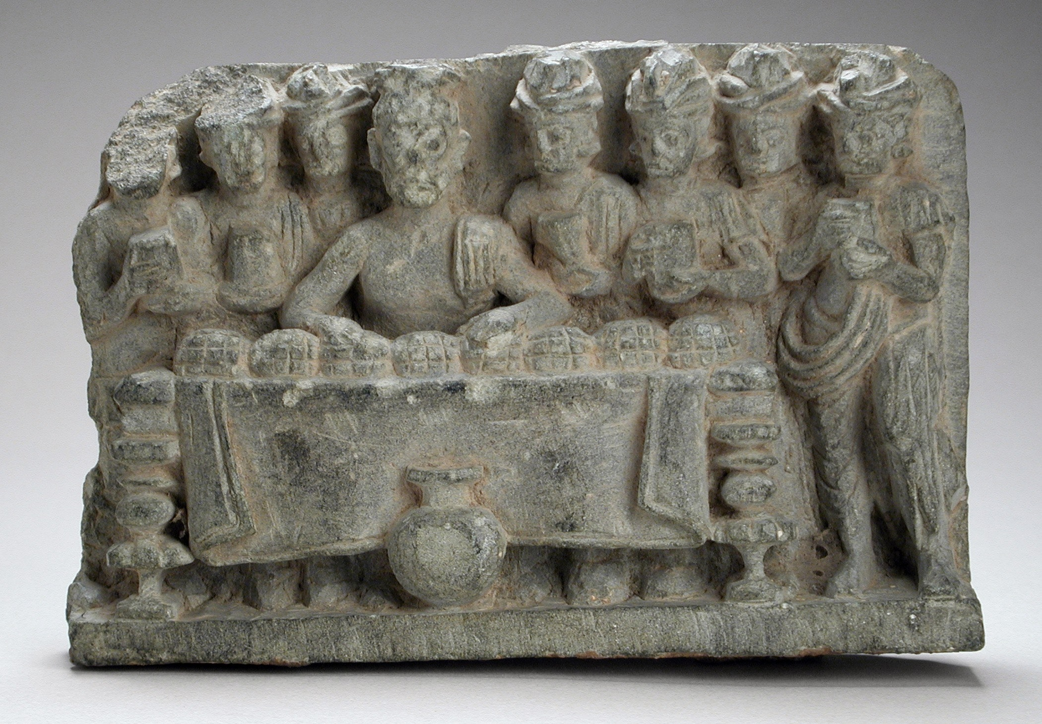A sculpture depicting the distribution of the Buddha's relics. Photo credit: Los Angeles County Museum of Art/Wikimedia Commons