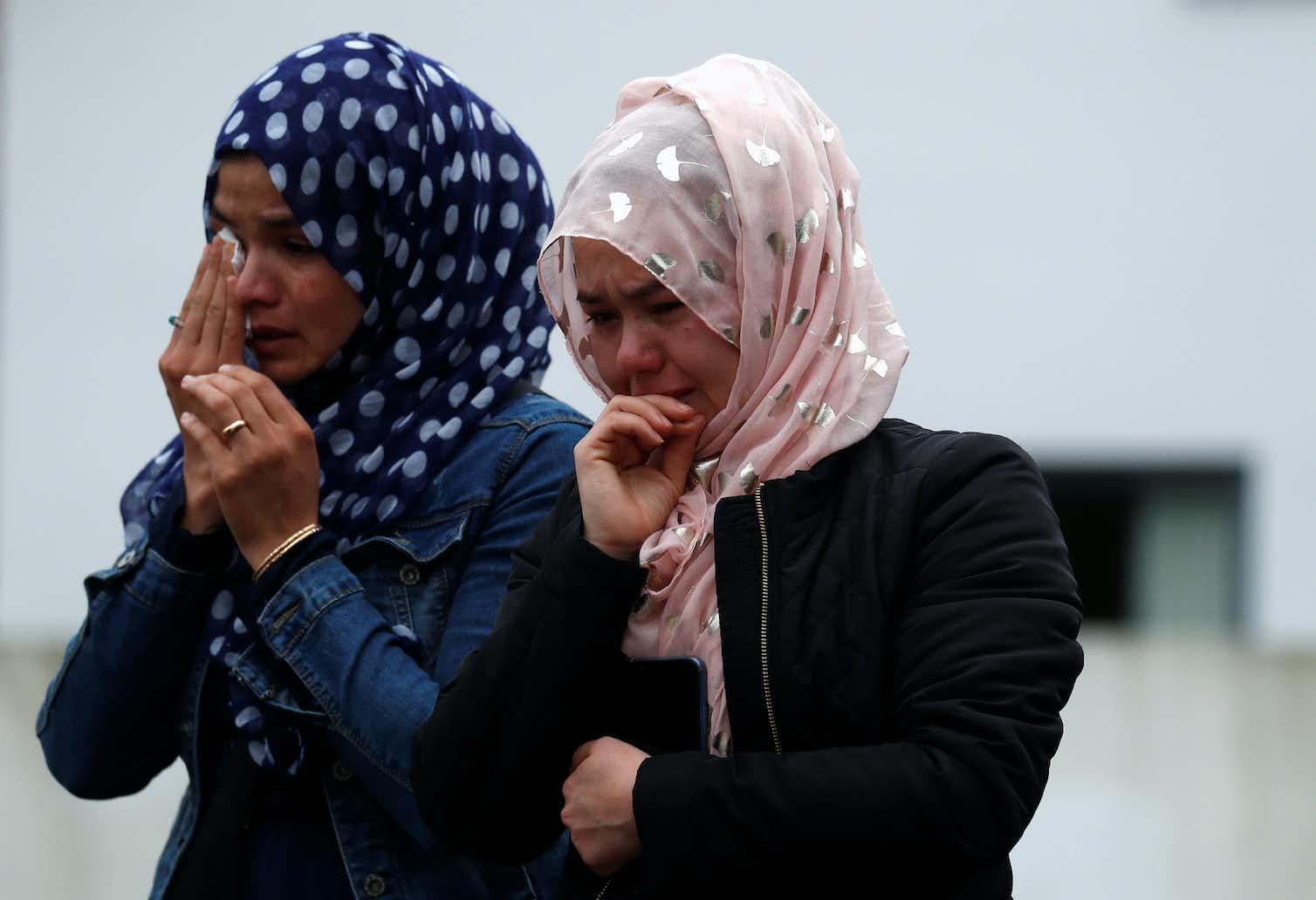 People grieve outside New Zealand's Masjid Al Noor on March 18, 2019. Photo credit: Reuters/Jorge Silva