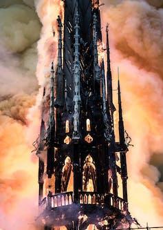 La aguja en llamas.Guillaume Levrier,CC BY