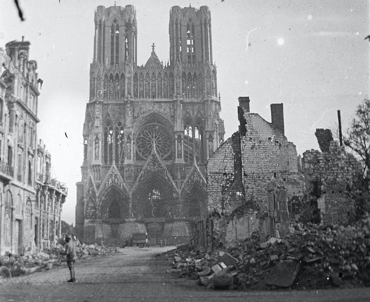 The cathedral of Reims in 1914.  Wikipedia, anonymous.