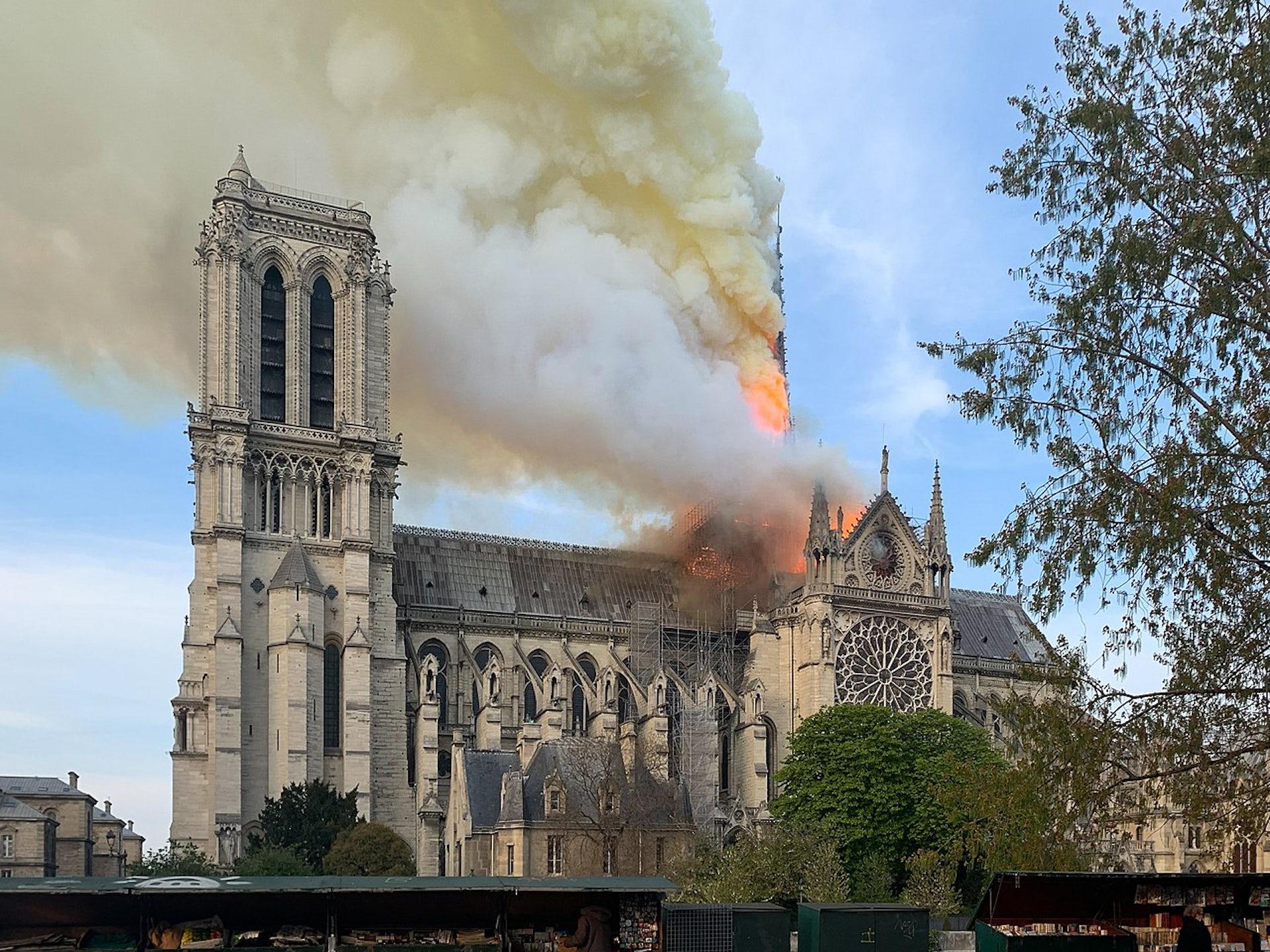 Notre Dame frente a sus demonios