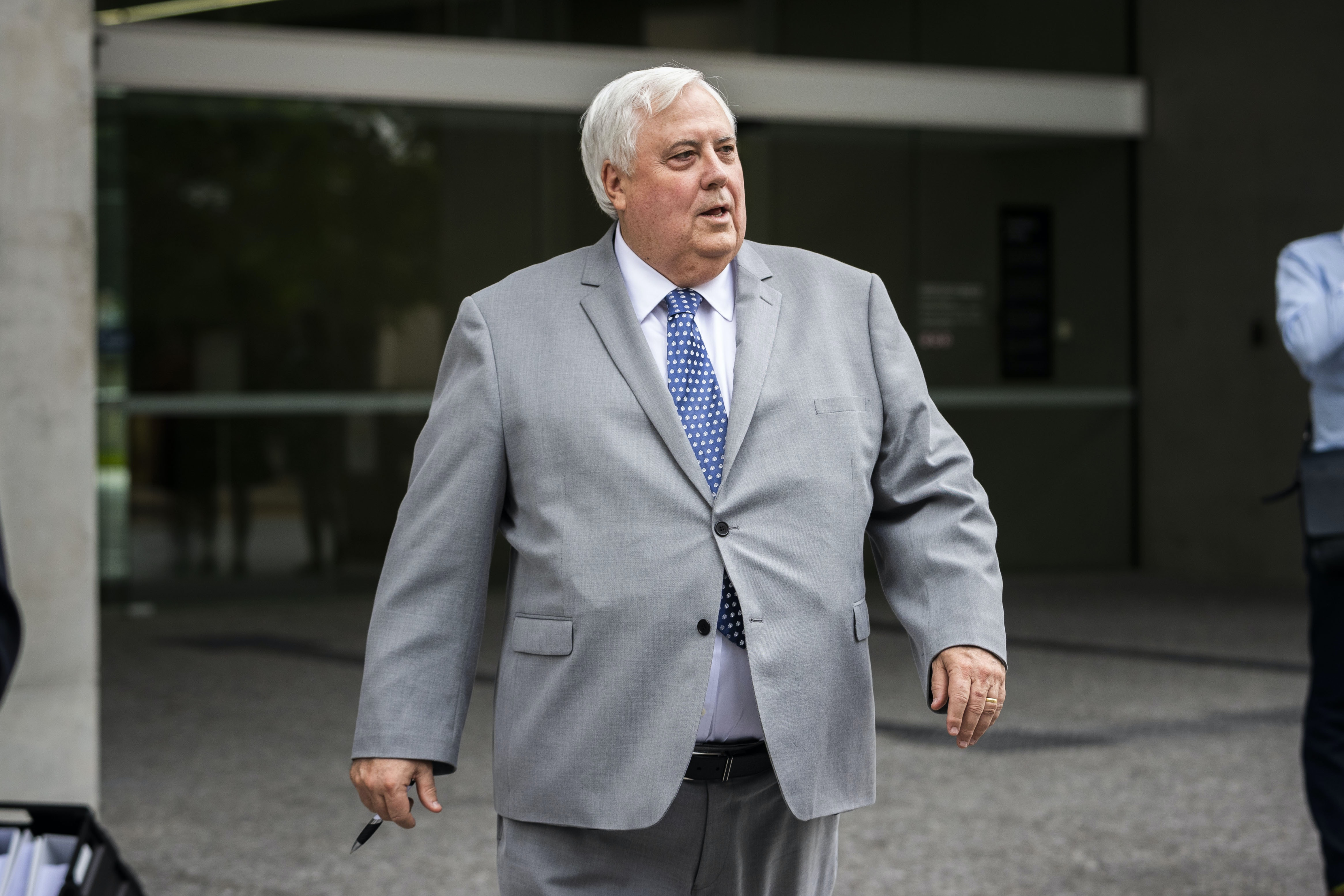 Poll wrap: Labor's Newspoll lead falls to 51-49 on dubious assumptions as Palmer and Coalition do a deal