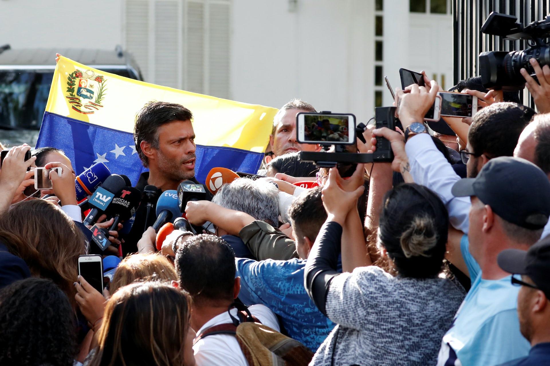 Venezuelan opposition leader Leopoldo López seeks refuge with Spain after failed uprising