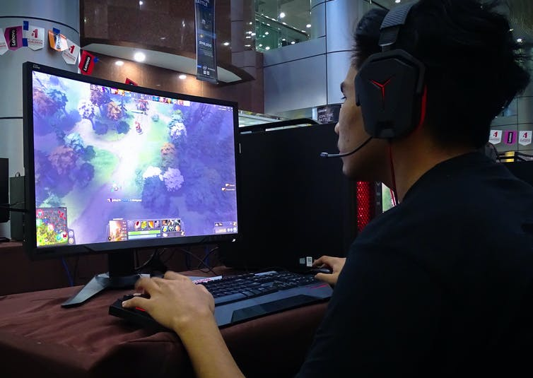 Dota 2 player using machine learning features