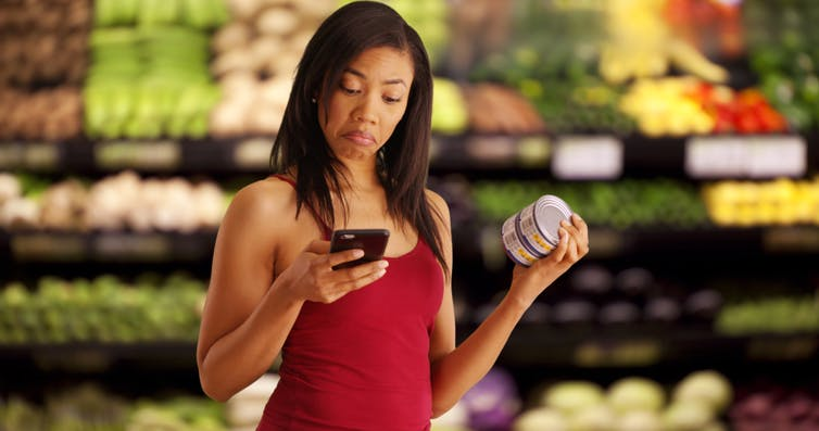 Grocery shoppers who use their phones in the supermarket end up spending, on average, 41% more than those who don't