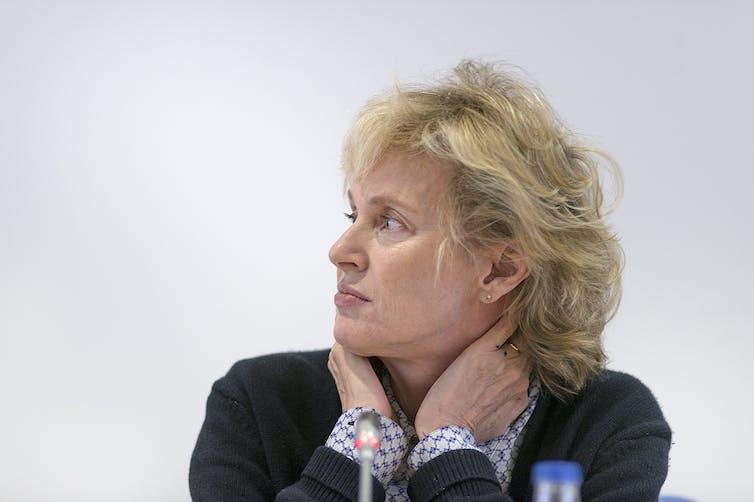 Siri Hustvedt: La escritora científica que mira a hombres y mujeres