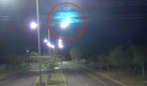 What caused the fireballs that lit up the sky over Australia?