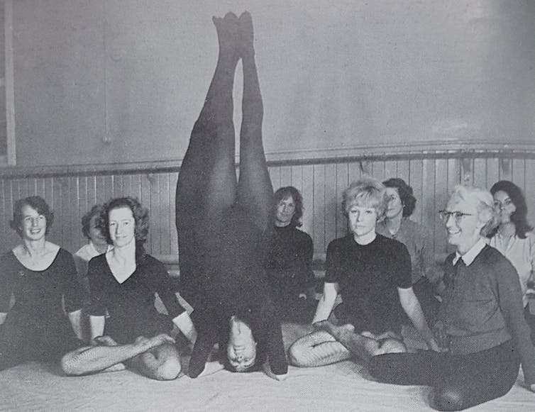 Yogini Sunita training a group of British women to be yoga teachers in 1966. Credit: The Lotus and The Rose Publishers/Suzanne Newcombe