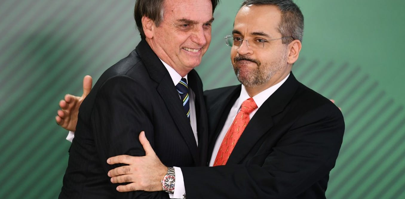Sociology and philosophy are just the first victims in Bolsonaro's culture war